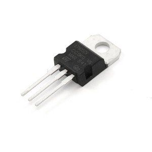 7812 12 Volt Regulator IC